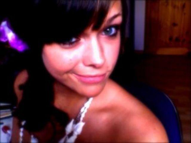 Belle brunette pour un plan baise torride