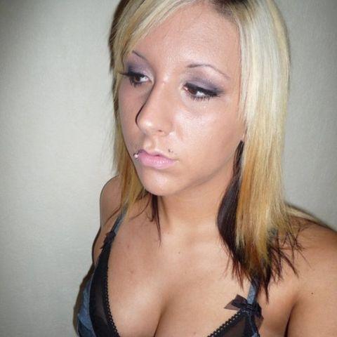 Melanie cherche un gars pour baiser