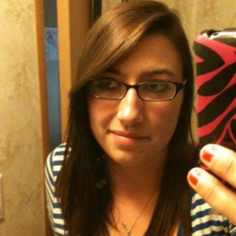 Jeune femme 23 ans cherche baise sur Nantes